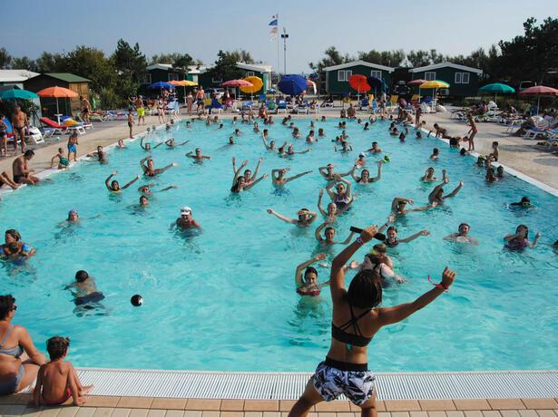 campinglido it luglio-a-bibione-pineda-soggiorno-in-casa-mobile-in-camping-village-sul-mare 025