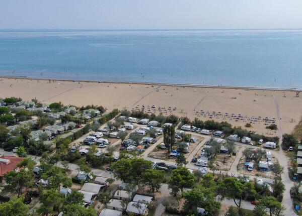 capalonga en offer-pitches-in-camping-village-in-bibone-pineda 018