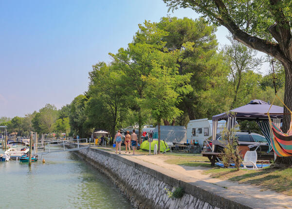 capalonga en offer-pitches-in-camping-village-in-bibone-pineda 017