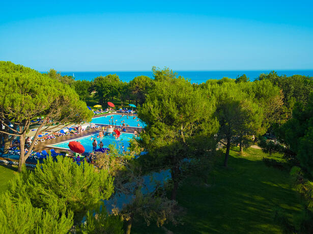 iltridente en offer-september-discounted-holidays-on-pitch-in-bibione 017