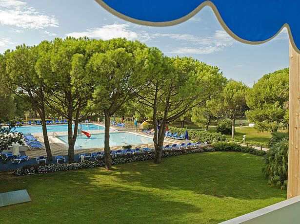 iltridente en offer-september-discounted-holidays-on-pitch-in-bibione 018