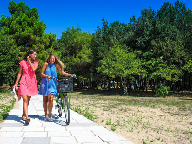 iltridente en holidays-in-august-in-mobile-home-in-bibione-in-camping-village-with-swimming-pool 018