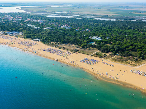 iltridente en offer-september-discounted-holidays-on-pitch-in-bibione 019