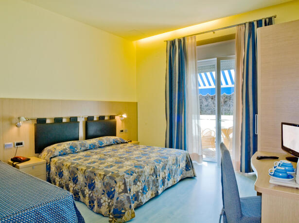 iltridente en offer-for-july-in-residence-campsite-in-bibione-b-b-or-half-board-with-beach-service 019