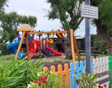 villaggiolemimose it speciale-luglio-in-villaggio-sul-mare-con-piscina-nelle-marche 017