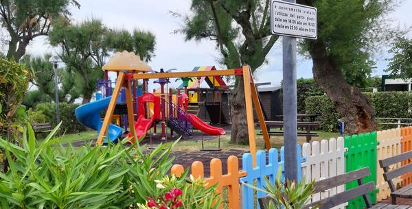 villaggiolemimose it speciale-luglio-in-villaggio-sul-mare-con-piscina-nelle-marche 012