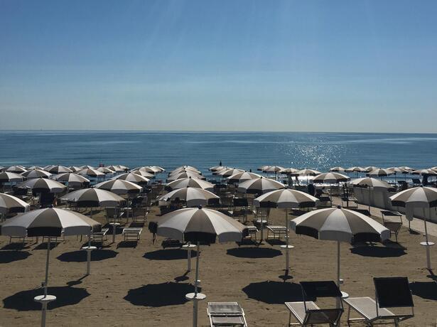 vacanzespinnaker it vacanze-in-sicurezza-in-villaggio-e-camping-sul-mare-nelle-marche 006