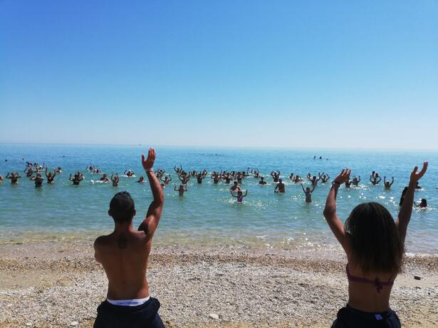 vacanzespinnaker it prenota-prima-con-un-grosso-sconto-in-villaggio-camping-nelle-marche 009