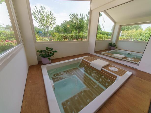 vacanzespinnaker it speciale-case-mobili-sea-space-per-un-soggiorno-esclusivo-in-villaggio-nelle-marche 007