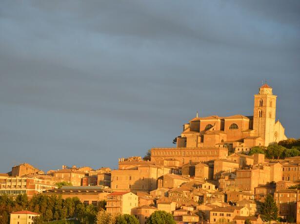 vacanzespinnaker it vacanze-tra-mare-e-storia-in-villaggio-sul-mare-nelle-splendide-marche 005