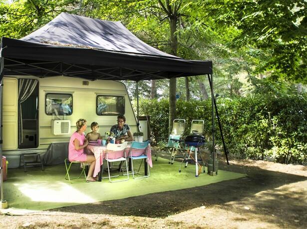 campinglecapanne de juli-auf-dem-campingplatz-in-der-toskana-stellplatz-mit-eigenem-bad 020