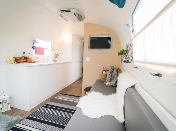 campinglecapanne da tilbud-paa-glamping-indlogeringer-paa-ferielandsby-bibbona-toscana 021