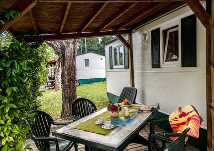 laquercia it offerta-settembre-e-ottobre-con-un-soggiorno-gratis-in-camping-sul-lago-di-garda 031