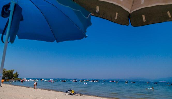 laquercia it vacanze-luglio-lago-di-garda-campeggio-con-spiaggia-piscine-e-animazione 047