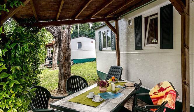 laquercia de angebote-kurzurlaub-campingplatz-lazise-gardasee-im-mobilheim-fuer-familien 043