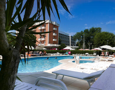 parkhotelserena en offer-for-couples-in-july-in-viserbella-di-rimini-in-hotel-near-the-sea 022