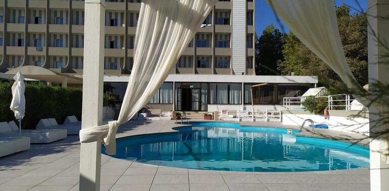 oxygenhotel it offerta-in-hotel-a-rimini-con-piscina-in-mezza-pensione 008