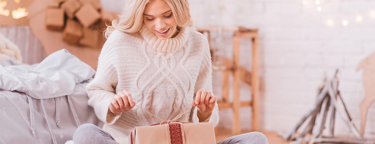 Regali di Natale per lei in profumeria - Compra online su Sabbioni.it