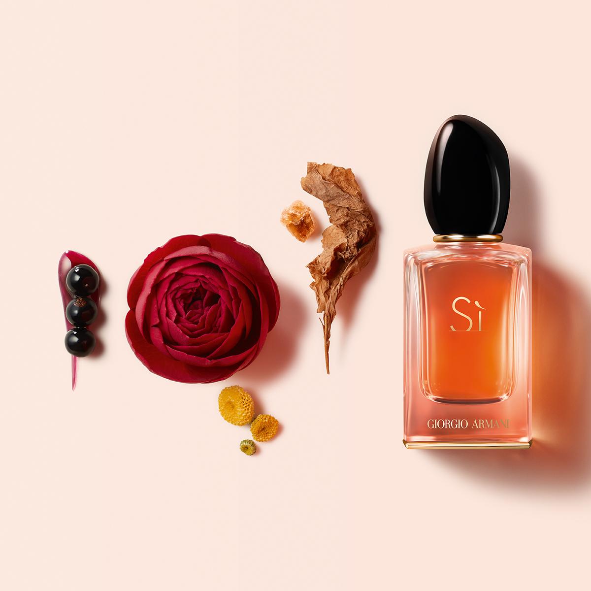 Armani Sì Intense Eau de Parfum - Scoprilo da Profumerie Sabbioni