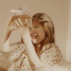 https://www.sabbioni.it/it/cat0_8645_8779_10964_8984/marchi/chloe/-profumi-donna/chloe/p90916-chloe-eau-de-parfum.php