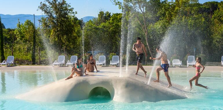 campingetruria en may-holidays-in-tuscany-in-mobile-home-in-camping-village 010