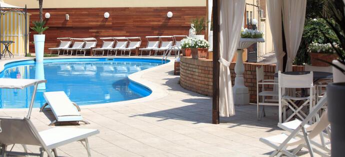 villaadriatica it prenota-prima-estate-a-rimini-in-hotel-sul-mare 005