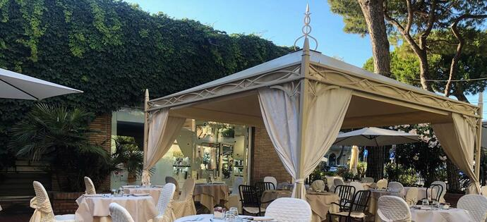 villaadriatica en offer-for-the-end-of-june-in-rimini-in-hotel-with-pool 009