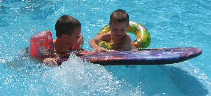 villaadriatica it vacanze-di-inizio-luglio-a-rimini-in-hotel-4-stelle-con-piscina 005
