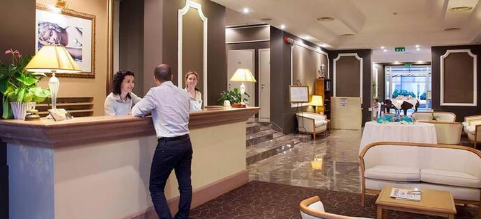 villaadriatica fr vacances-a-l-hotel-4-etoiles-pet-friendly-avec-piscine-a-rimini 008