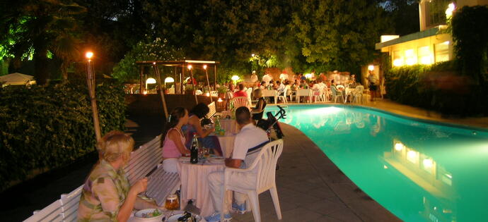 villaadriatica en offer-for-august-in-rimini-on-full-board 010