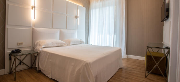 villaadriatica en early-booking-summer-hotel-rimini-centro-with-swimming-pool 006