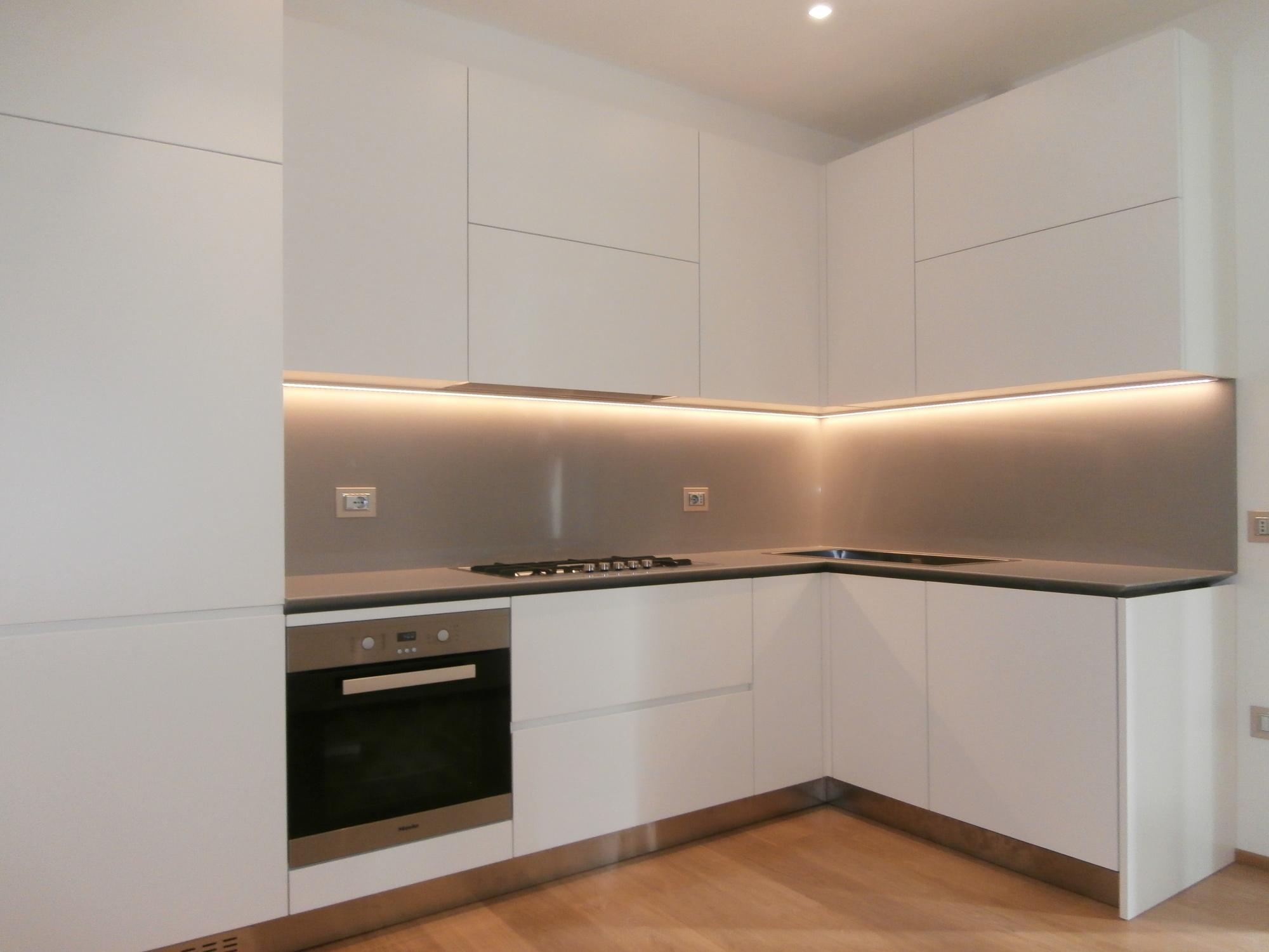 Cucina moderna laccata opaca avorio a rimini - Top cucina moderna ...