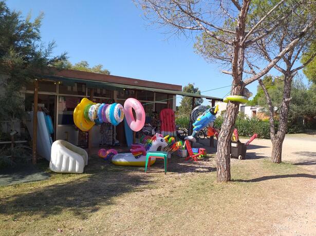 campingtoscanabella it offerta-in-piazzola-con-bagno-privato-in-camping-in-toscana 012