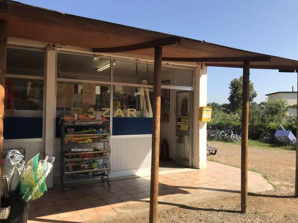 campingtoscanabella nl aanbieding-augustusvakantie-in-toscane-met-stacaravans-voor-gezinnen-aan-zee 014