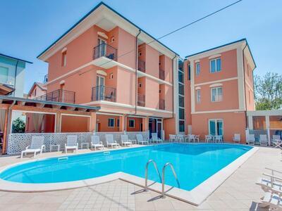 hoteldelavillecesenatico de august-erleben-sie-das-pulsierende-herz-des-sommers-in-cesenatico-italien 019