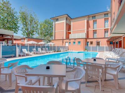 hoteldelavillecesenatico it speciale-luglio-con-una-spettacolare-vista-mare-in-hotel-a-cesenatico 021