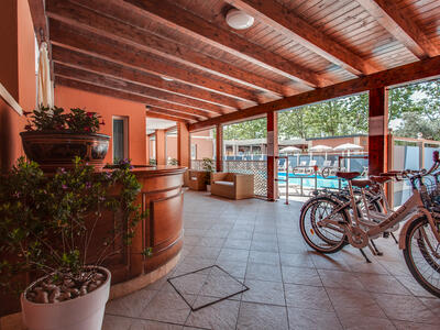 hoteldelavillecesenatico de september-in-cesenatico-italien-im-hotel-mit-beheiztem-pool 022