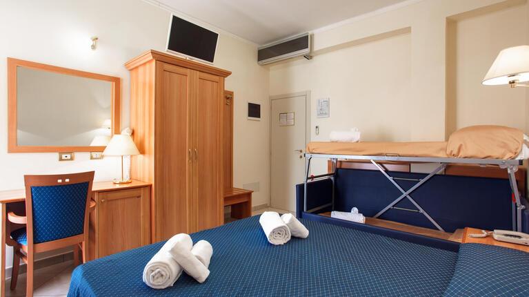 hoteldelavillecesenatico it speciale-luglio-con-una-spettacolare-vista-mare-in-hotel-a-cesenatico 013