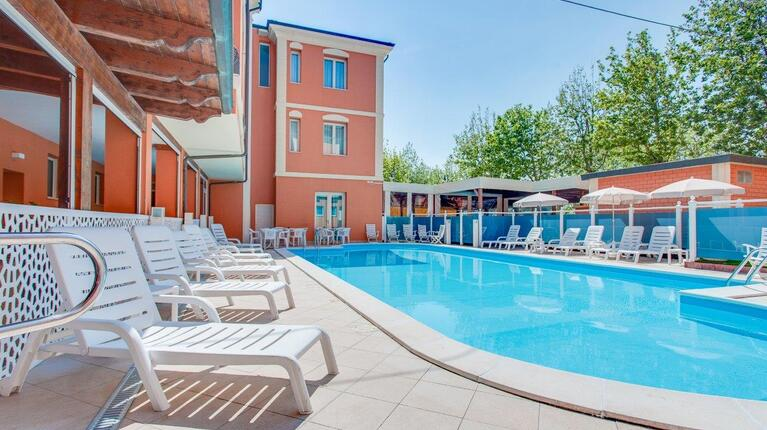 hoteldelavillecesenatico fr juin-hotel-all-inclusive-en-bord-de-mer-a-cesenatico 017