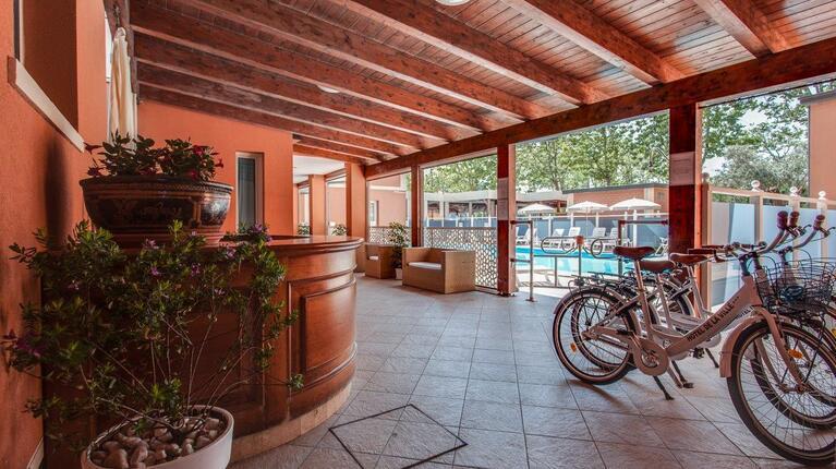 hoteldelavillecesenatico de august-erleben-sie-das-pulsierende-herz-des-sommers-in-cesenatico-italien 016