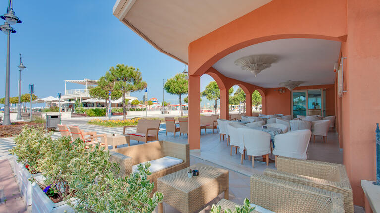 hoteldelavillecesenatico de september-in-cesenatico-italien-im-hotel-mit-beheiztem-pool 013