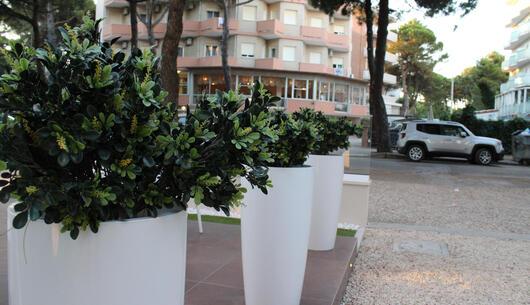 hotel-condor it offerta-hotel-per-ponte-25-aprile-a-milano-marittima-in-hotel-vicino-a-mirabilandia 009