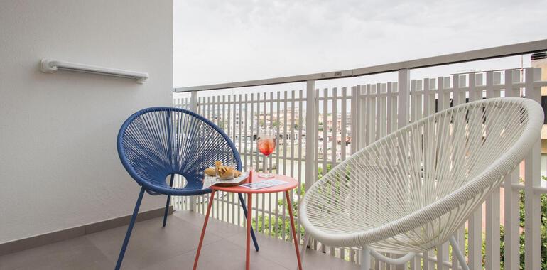 majorcagabicce it offerta-fine-luglio-hotel-3-stelle-gabicce-sul-porto-canale 011
