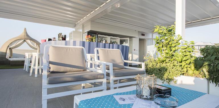 majorcagabicce it offerta-fine-luglio-hotel-3-stelle-gabicce-sul-porto-canale 014