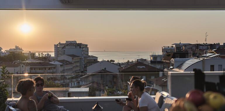 majorcagabicce it offerta-fine-luglio-hotel-3-stelle-gabicce-sul-porto-canale 015