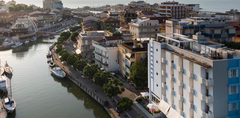 majorcagabicce fr offre-speciale-pour-motogp-misano-a-l-hotel-gabicce-avec-parking 012