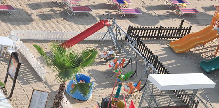 majorcagabicce it offerta-speciale-bambini-gratis-in-hotel-gabicce-per-famiglie-con-area-giochi 015