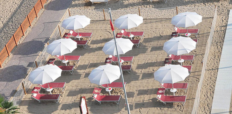 majorcagabicce it offerta-ferragosto-hotel-gabicce-mare-con-pensione-completa 016