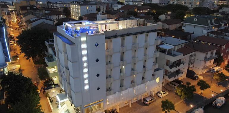 majorcagabicce it speciale-notte-rosa-a-gabicce-in-hotel-3-stelle-con-terrazza-panoramica 012