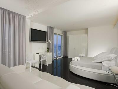 nordesthotel it offerta-speciale-di-agosto-hotel-gabicce-mare-con-piscina-e-spiaggia-privata 016